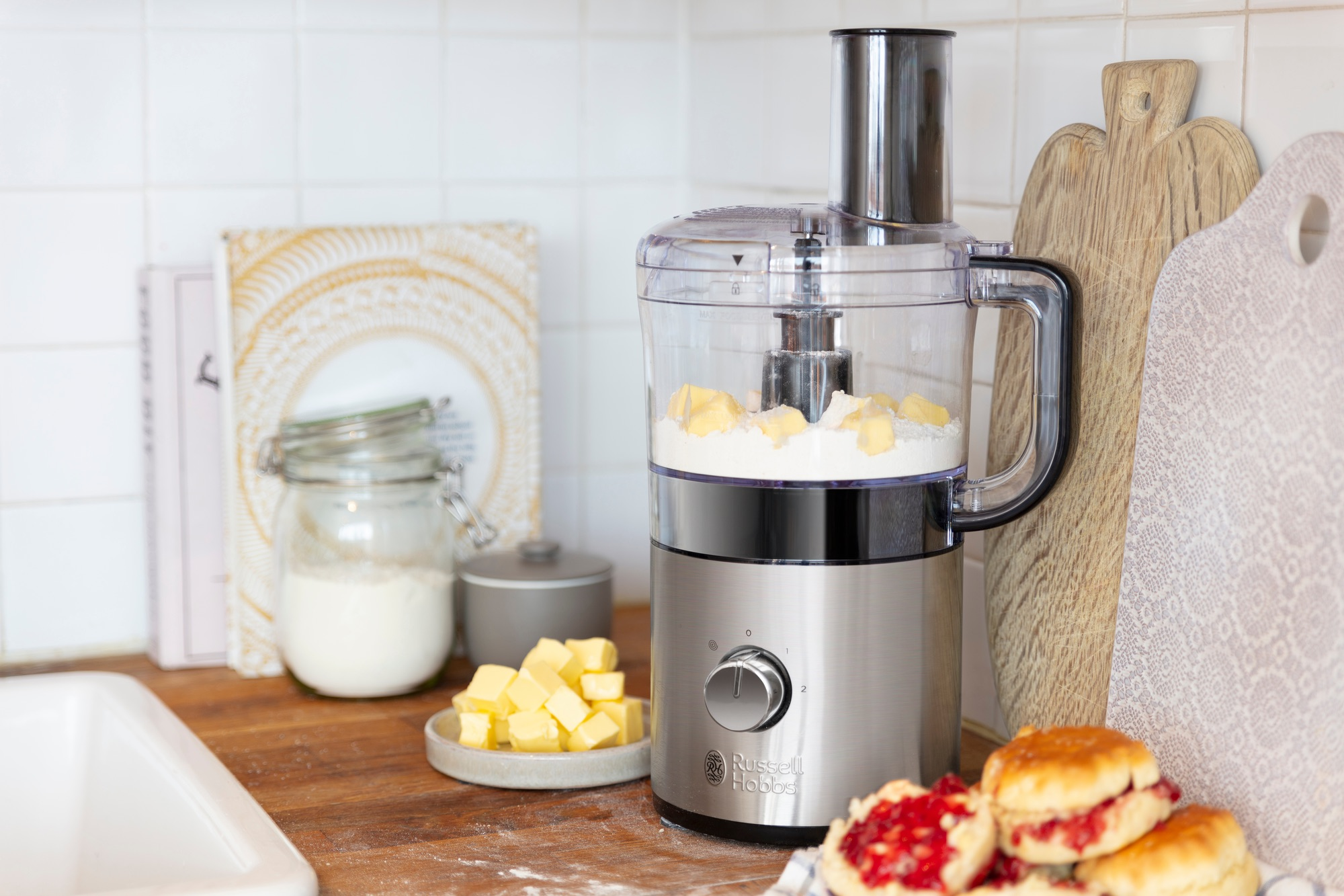 25280 56 Compact Food Processor Propped Close 395613