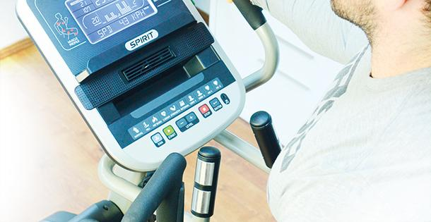 Spirit Fitness XE395 Crosstrainer im Test
