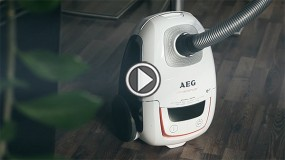 AEG UltraSilencer AUS8230 Staubsauger im Video